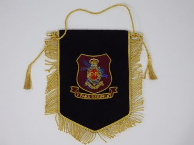 ROYAL HORSE ARTILLERY 7 PARACHUTE REGTIMENT BULLION WIRE EMBROIDERED PENNANT (BB)